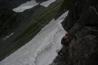 2013年7月末 槍平=南岳ルートの雪渓、このルート自体も初心者にオススメできないが・・・・・・一般ルート上に危険な雪渓があることもある。