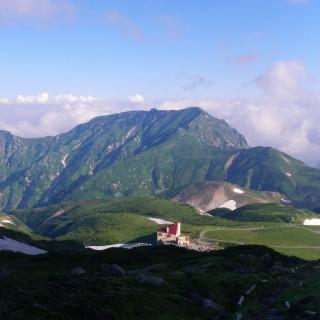 浄土山からのホテル立山まさに雲上