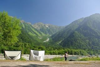 ほんの5分歩くだけでまったく違う「上高地」が見れる、小梨平キャンプ場。