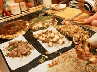 有馬温泉街のお好み焼き 一休、多彩な焼き物がありオススメできます。