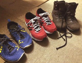 運動靴かブーツかでも違う。