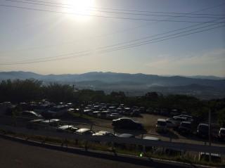 【早朝の御所】葛城山のふもと、この段階でも雰囲気ありますね。