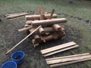 【井型焚き火】集いの焚き火の型、どこにでも組めて、360度(?)を明るく照らす。