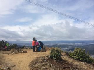 【低山遭難】六甲山程度でも80人程度の年間遭難者が出ている(写真は音羽山)