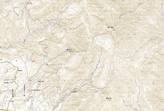 【苦心の末の地図】センターの奥の道路に登山口がある、PDF(A3)はこちら