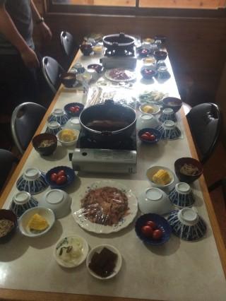 【桜のすき焼き】馬肉のすき焼きがオーレン小屋の名物