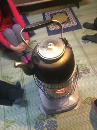 【根石岳小屋でコーヒー待ち】多人数で手間のかかるものを頼むのはやめよう。