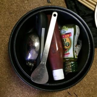 【取っ手の取れる系の「パン」】これなら鍋のようにみんなで食べるのに最適です。