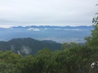 【北岳=南アルプス】目の前に広がる巨大な山域が日本第二の高峰を擁する南アルプス
