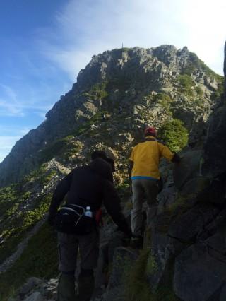 【高度感】登り始める前に、一度下がるのでもっと高く感じるが、一歩一歩歩けるので問題は無い。