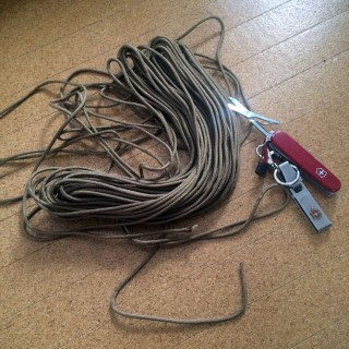 【紐】箸と紐は万能ツールという結論に(銀ちゃんの焚き火大会より)