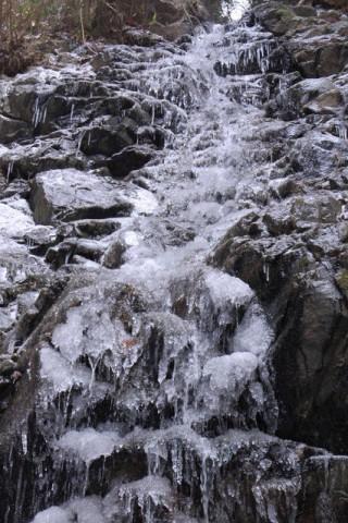 【氷爆】ツツジオ谷(mixiでやまねこさんがアップしてくれた写真です)