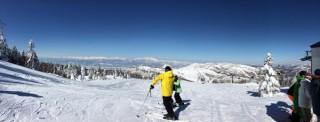 【お気に入りの寺小屋山】「一段高い」寺小山は景色もよく、気温が低いので雪も重くなりづらい。