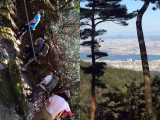 【音羽山へ】手水舎裏から登っていくが「かなり急」、山頂付近まで来ると滋賀方面が覗く(写真は石山近辺と思われる)。