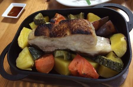 【コントラスト】季節の野菜と肉の焼き色