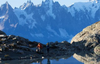 【ハイキングの再開はやさしいルートから・・・】とかいいながらこの写真、海外ではピークを目指さない(岩登りを伴わない)登山はだいたいハイキング(トレッキング)に分類される。