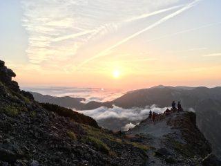 【槍ヶ岳肩からの夕日】いやしかし槍ヶ岳は本当に素晴らしい一日でした!!