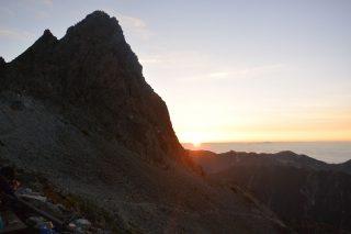 【槍ヶ岳の夜明け】少し早起きをして朝日と雲海を楽しみましょう(4:30頃~)