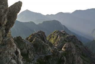 【始めの難所】槍ヶ岳直下はハシゴも木製で一部崖が切り立っているので注意。