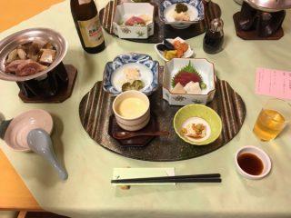 【休暇村の夕食】茶碗蒸しにはホタテまるまる一粒入りで斬新!!
